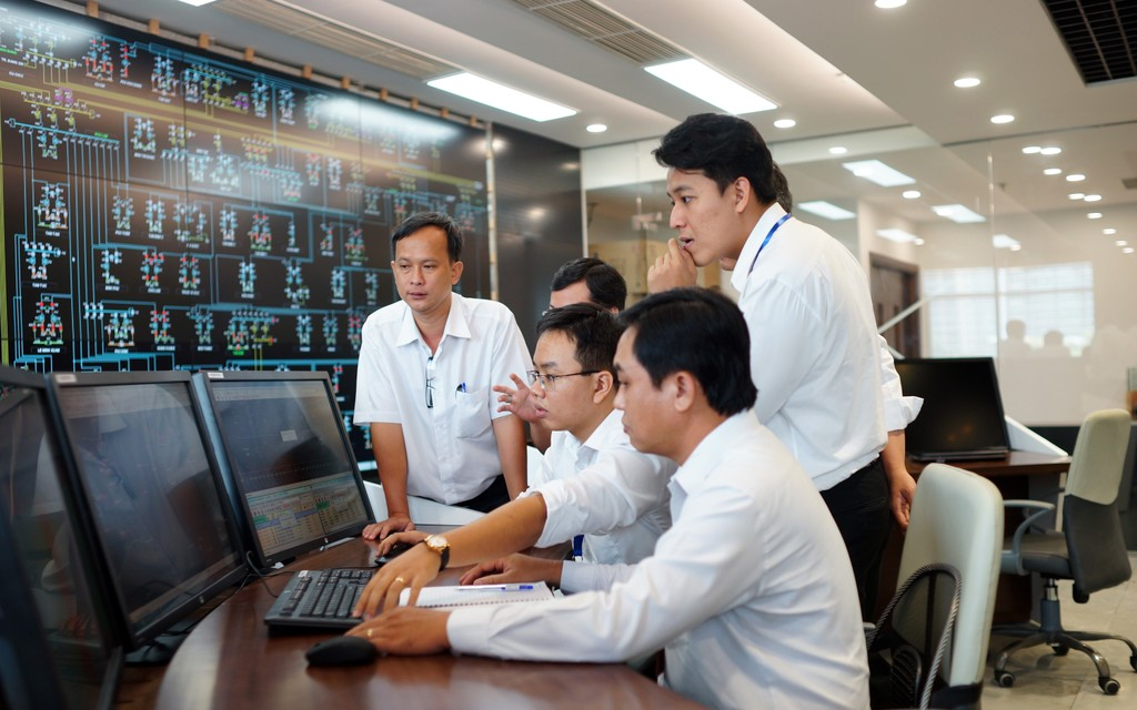 Đẩy nhanh tiến độ tự động hóa lưới điện TP.HCM - ảnh 2