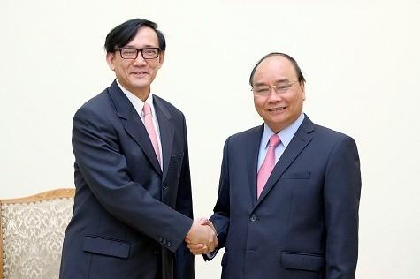 Thủ tướng Nguyễn Xuân Phúc và Đại sứ Thái Lan Manopchai Vongphakdi - Ảnh: VGP