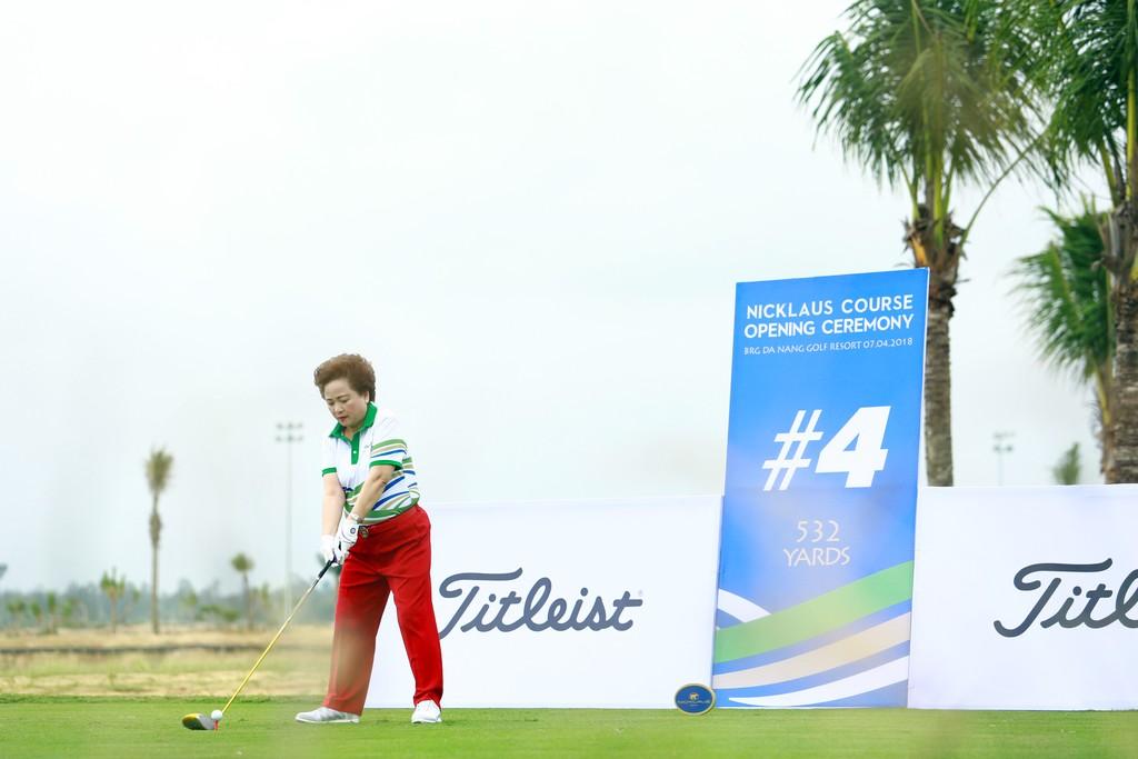 BRG Đà Nẵng Golf Resort chào đón sân gôn phong cách bờ kè đầu tiên tại Châu Á - ảnh 2