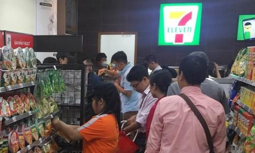 Số cửa hàng tiện lợi tại TP HCM đã vượt ngưỡng 1.800 shop và sẽ còn tiếp tục tăng mạnh từ năm 2018 trở đi. Ảnh: Foody.vn