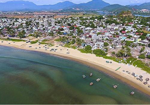 Chủ tịch Đà Nẵng yêu cầu dự án du lịch không làm hàng rào che chắn biển - ảnh 2