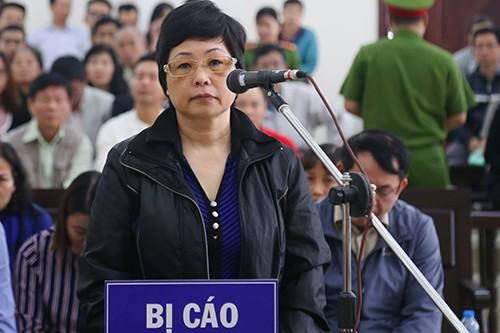 Bà Châu Thị Thu Nga tại tòa.