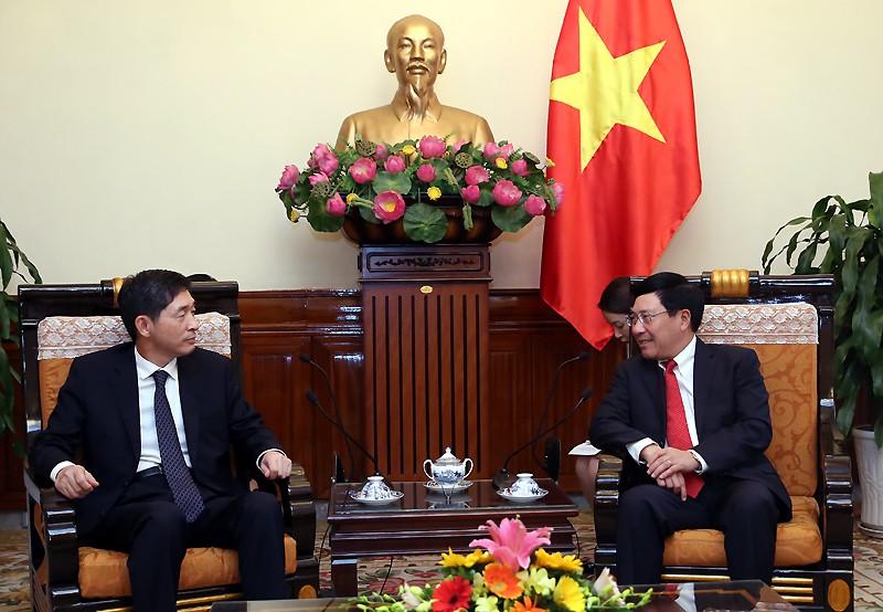 Phó Thủ tướng Phạm Bình Minh tiếp Đại sứ Hàn Quốc Lee Hyuk. Ảnh: VGP