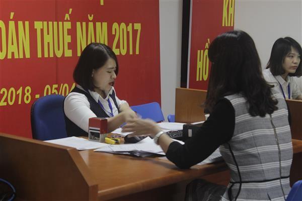Cục Thuế Hà Nội vừa công khai danh sách 143 đơn vị nợ thuế, phí và tiền thuê đất với số nợ hơn 711 tỷ đồng.