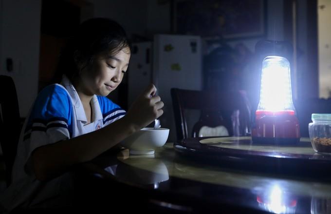 Cuộc sống không điện nước của cư dân Carina - ảnh 9