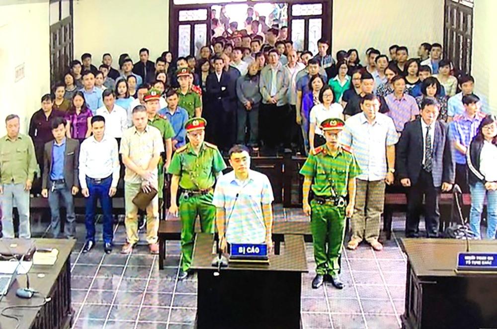 Đang xét xử cựu nhà báo Lê Duy Phong - ảnh 1