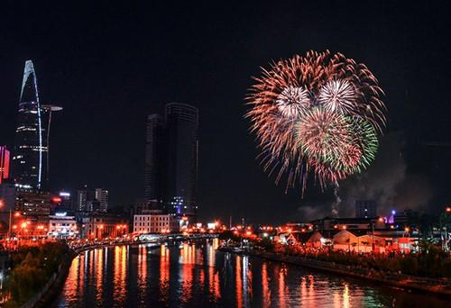 TP HCM sẽ bắn pháo hoa tại hầm Thủ Thiêm và Công viên văn hóa Đầm Sen.