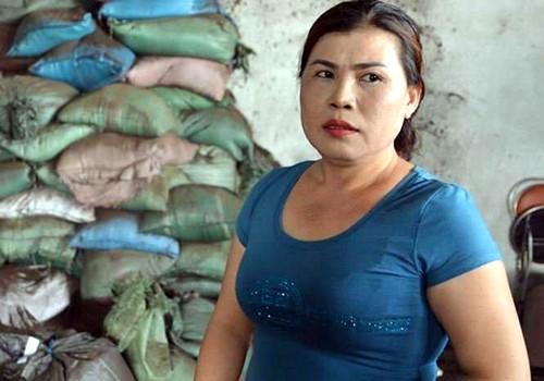 Bà Nguyễn Thị Thanh Loan, chủ cơ sở sản xuất phế phẩm cà phê.