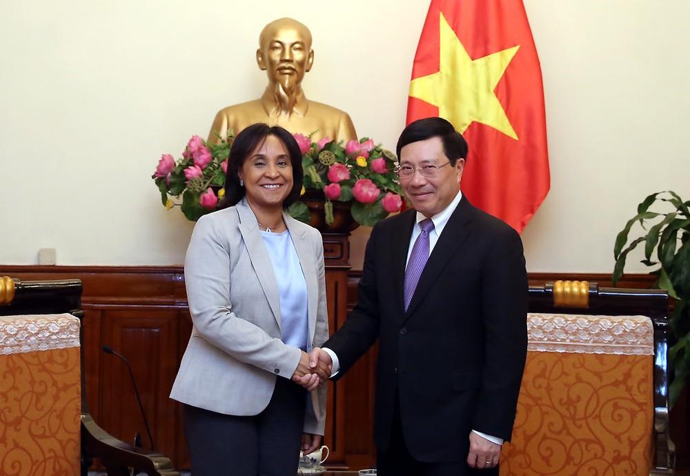 Phó Thủ tướng Phạm Bình Minh tiếp Quốc vụ khanh Bộ Ngoại giao và Hợp tác quốc tế Morocco Mounia Boucett. Ảnh: VGP
