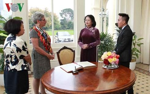 Phó Chủ tịch nước Đặng Thị Ngọc Thịnh gặp Thống đốc bang Victoria, bà Linda Marion Dessau