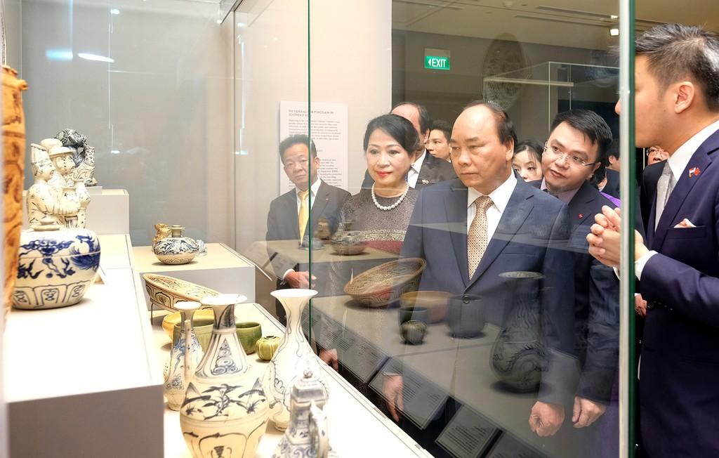 Thủ tướng thăm gian hàng Việt Nam tại Hội chợ FHA 2018 - ảnh 4