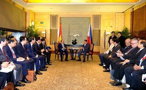 Thủ tướng Nguyễn Xuân Phúc tiếp xúc song phương Tổng thống Philippines - ảnh 1