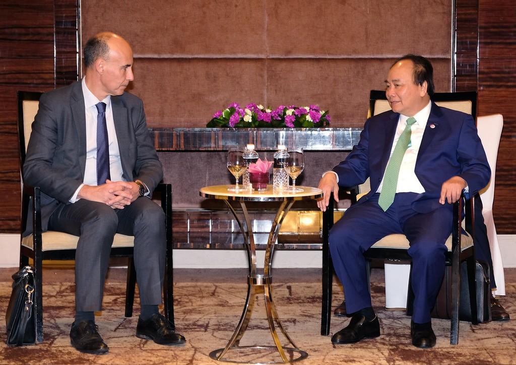 Thủ tướng Nguyễn Xuân Phúc và Phó Chủ tịch Tập đoàn Total. Ảnh: VGP