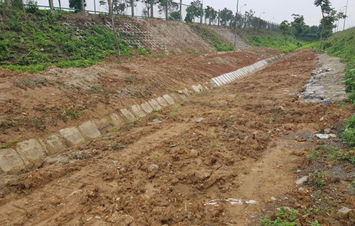 Đường ống nước sạch sông Đà lại gặp sự cố - ảnh 1
