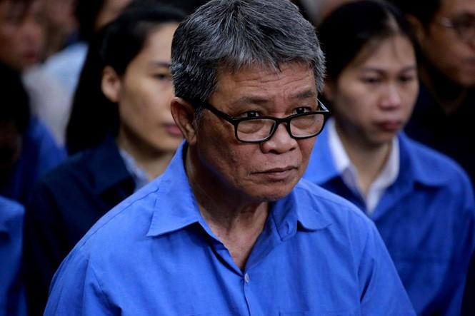"""Nguyên Chủ tịch HĐQT TrustBank Hoàng Văn Toàn khai trước tòa """"chỉ làm thuê cho bà Sáu Phấn"""""""
