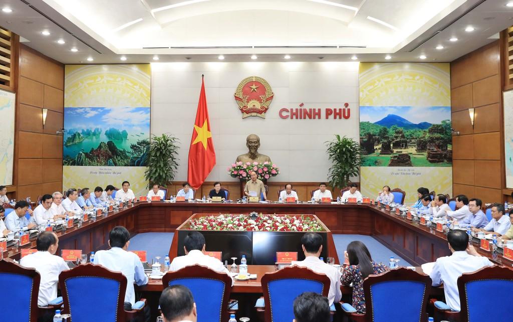 Thủ tướng làm việc với các tỉnh ĐBSCL về chống sạt lở. Ảnh: VGP