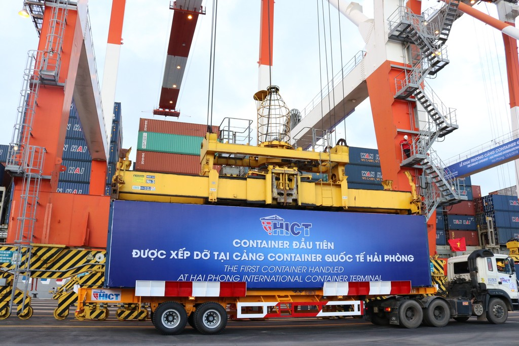 Khai trương Cảng Container quốc tế Hải Phòng (HICT). Ảnh: Nguyễn Thủy