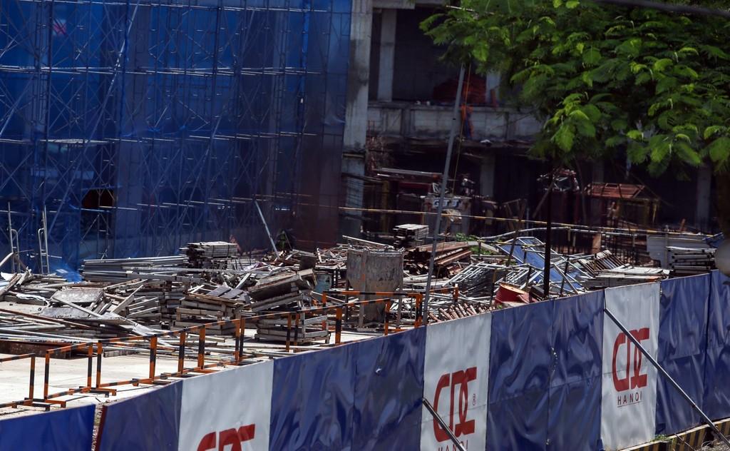 """Hàng nghìn tỷ đồng chỉ để """"đổ"""" vào đống hoang tàn Usilk City - ảnh 7"""