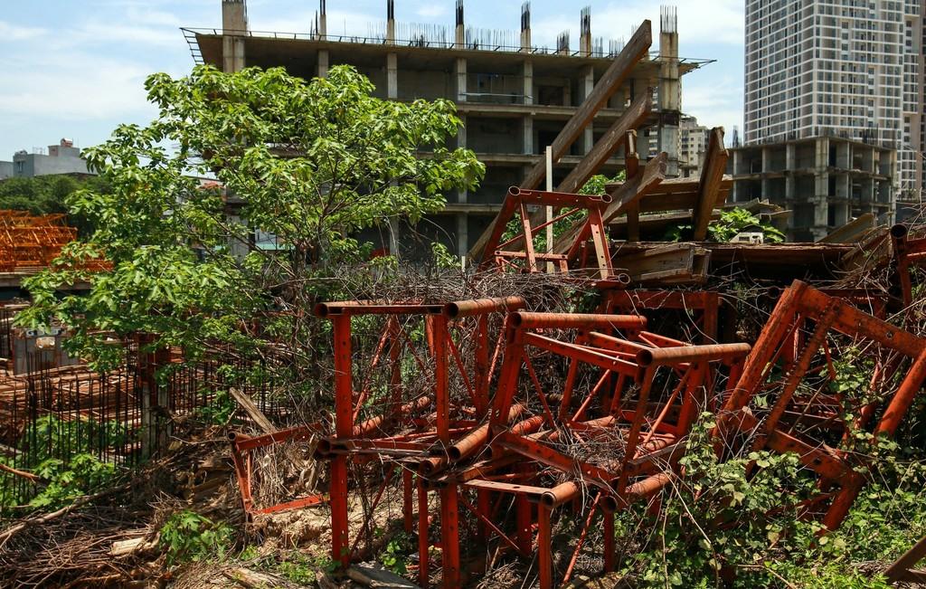 """Hàng nghìn tỷ đồng chỉ để """"đổ"""" vào đống hoang tàn Usilk City - ảnh 8"""