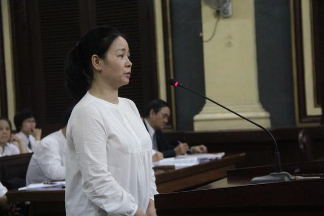 Bị cáo Ngô Kim Huệ cho rằng Phương Trang tặng xe MayBach cho Hứa Thị Phấn
