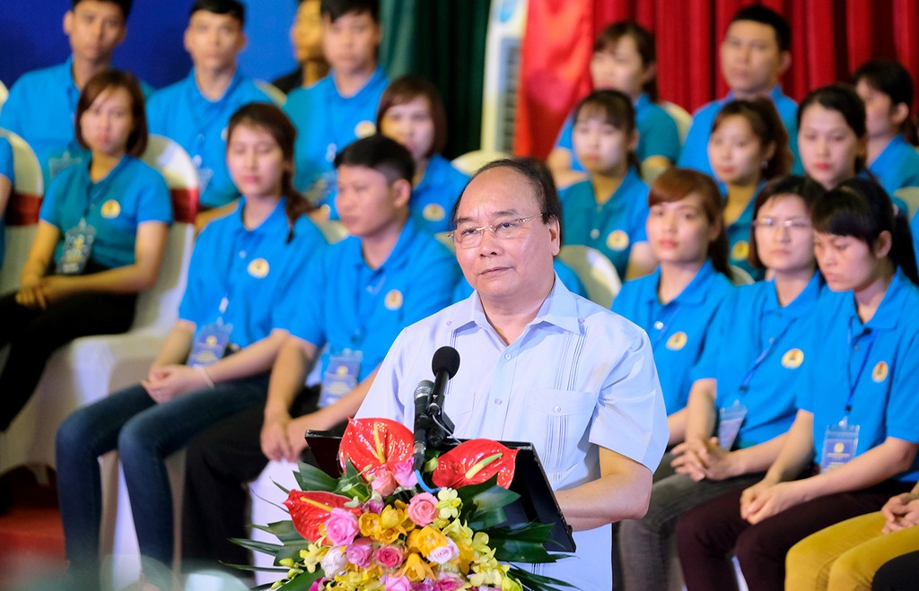 Thủ tướng: Đối thoại để giải quyết vấn đề bức xúc của công nhân - ảnh 2