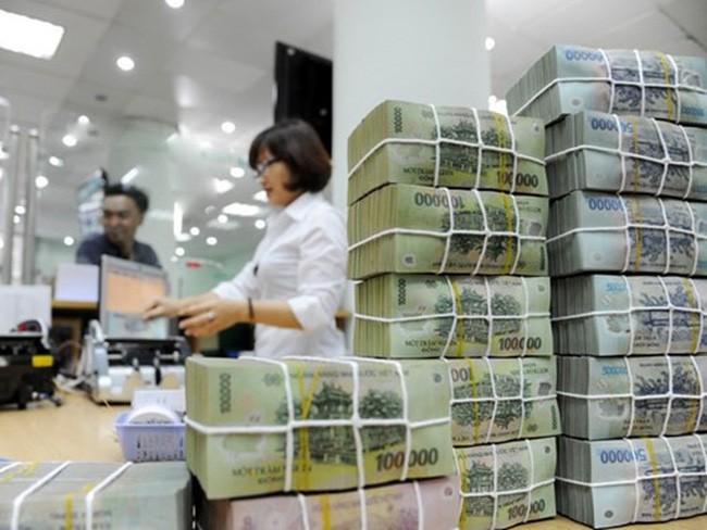 Thu cân đối NSNN năm 2017 vượt 76,48 nghìn tỷ đồng (6,3%) so với dự toán. Ảnh: Tường Lâm
