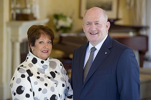 Toàn quyền Australia Peter Cosgrove và phu nhân. Ảnh: Commons.