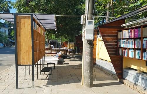 Thành phố Huế đã giao vỉa hè đường Hai Bà Trưng cho doanh nghiệp khai thác dịch vụ.