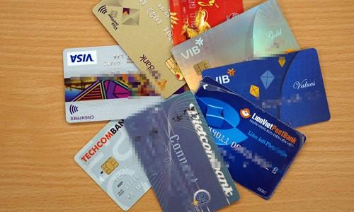Một số cá nhân giao bán lại thẻ ngân hàng với giá từ 2 đến 3,5 triệu đồng.