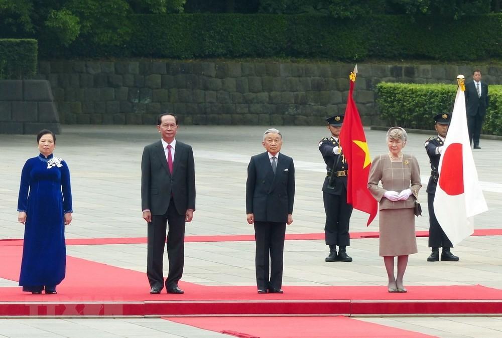 Quốc thiều hai nước cất lên tại Lễ đón chính thức được tổ chức trọng thể tại Hoàng cung Nhật Bản. Ảnh: Vietnamplus