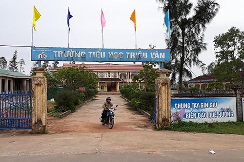 Hiệu trưởng trường tiểu học Triệu Vân bị cách chức do nhiều sai phạm về tài chính.