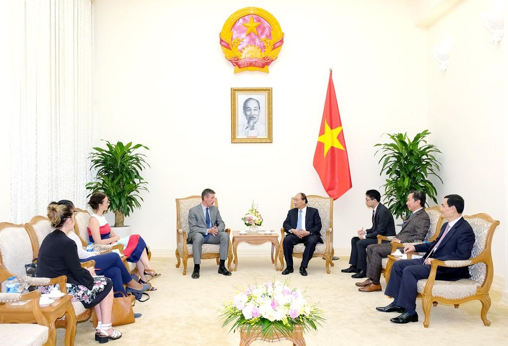 Thủ tướng Nguyễn Xuân Phúc tiếp Đại sứ Anh - ảnh 1