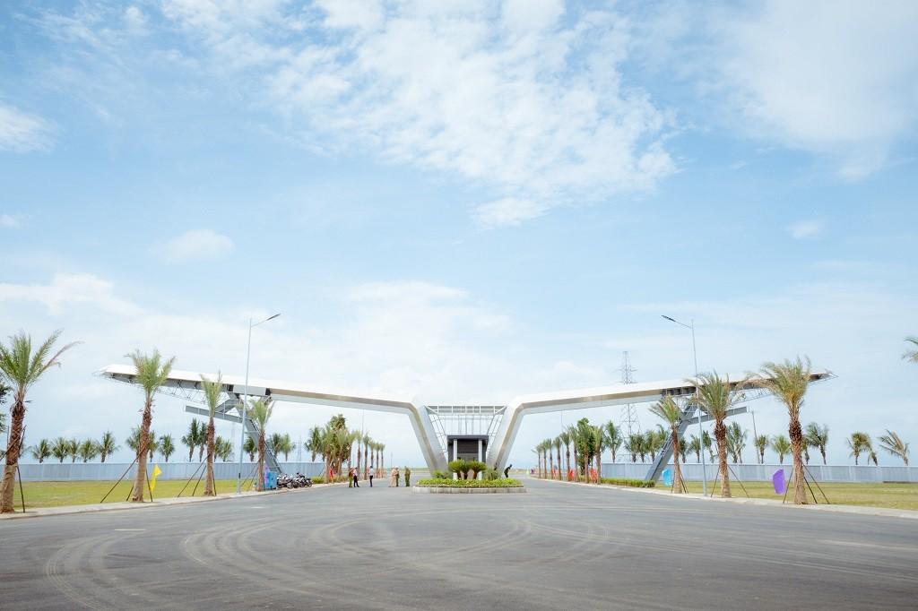 Nhà máy Vsmart sẽ được đầu tư xây dựng tại Tổ hợp sản xuất ô tô VinFast ở khu kinh tế Đình Vũ – Cát Hải (Hải Phòng) theo tiêu chuẩn quốc tế.