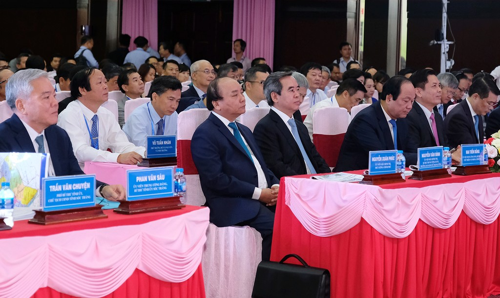 Thủ tướng dự Hội nghị xúc tiến đầu tư tỉnh Sóc Trăng - ảnh 1