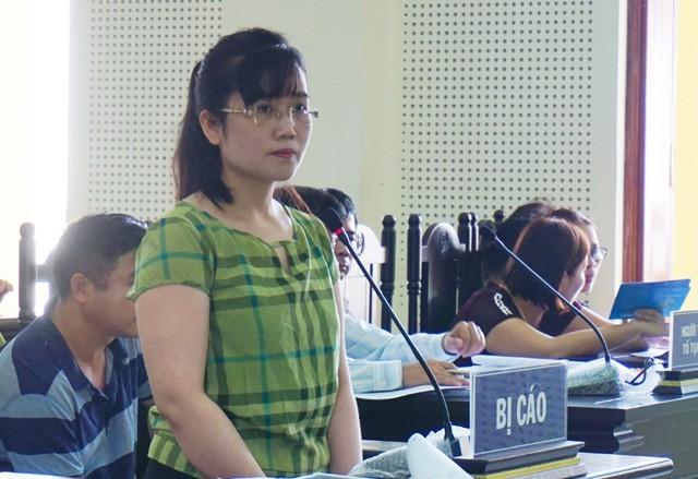 Bị cáo Nguyễn Thị Lam trên bục khai báo ngày 28/6