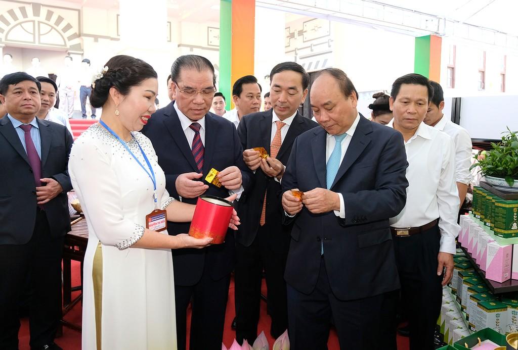 Thủ tướng dự Hội nghị xúc tiến đầu tư tỉnh Thái Nguyên - ảnh 1