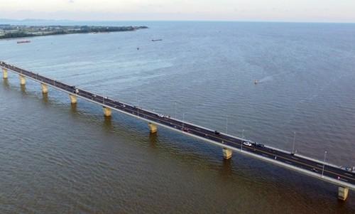 Cầu vượt biển Tân Vũ - Lạch Huyện là công trình vượt biển dài nhất Đông Nam Á. Ảnh Internet