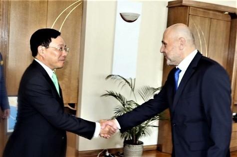 Phó Thủ tướng Phạm Bình Minh thăm chính thức Bulgaria - ảnh 2