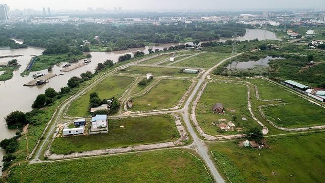 """Yêu cầu làm rõ thương vụ bán 9.125 m2 đất công giá """"bèo"""" tại TPHCM - ảnh 2"""