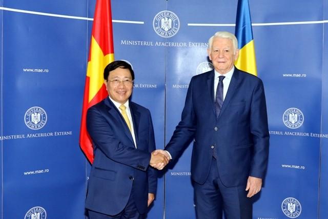 Phó Thủ tướng Phạm Bình Minh lần đầu tiên thăm Romania - ảnh 2
