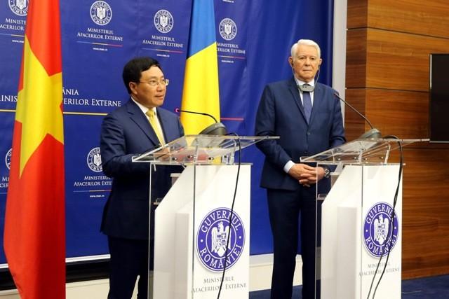 Phó Thủ tướng Phạm Bình Minh lần đầu tiên thăm Romania - ảnh 3