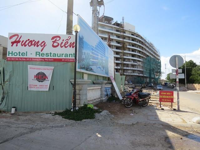 Công trình khách sạn Hương Biển xây dựng sai phép, không đúng quy hoạch sẽ bị xử lý trong thời gian tới.