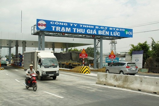 """Việc Bộ GTVT sử dụng cụm từ """"Trạm thu giá"""" tại các trạm BOT đã gây nhiều tranh cãi (Ảnh minh họa: Người lao động)."""
