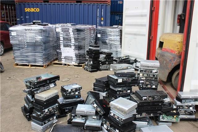 Phát ngán với hàng ngàn container phế liệu nhập khẩu vô chủ - ảnh 2