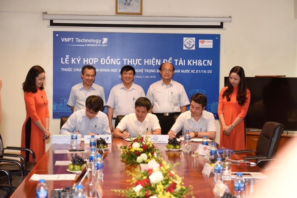 VNPT Technology ký hợp đồng thực hiện 02 đề tài KH&CN về Chính phủ điện tử - ảnh 2