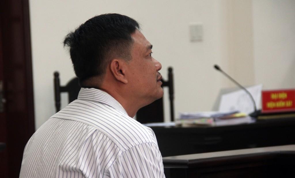 Bị cáo Nguyễn Tuyến Dũng kêu oan bất thành.