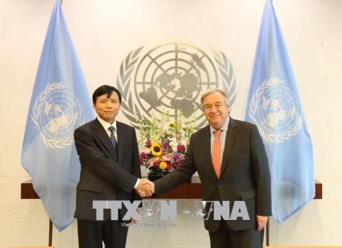Tổng Thư ký LHQ Antonio Guterres và Đại sứ Đặng Đình Quý