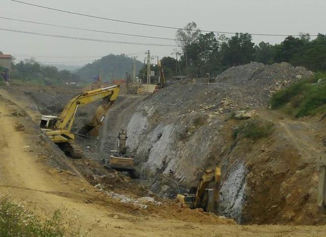 Gói thầu XD22 - Dự án phát triển hệ thống tưới kênh Bắc sông Chu - Nam sông Mã cũng từng chậm tiến độ