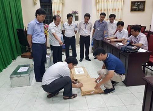 Tổ công tác rà soát công tác chấm thi tại Hội đồng thi Sở Giáo dục và Đào tạo Hà Giang. Ảnh: Cổng thông tin Bộ Công an