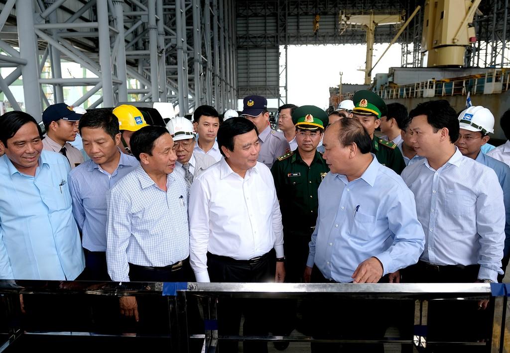 Thủ tướng thị sát hoạt động, làm việc với Formosa Hà Tĩnh - ảnh 2